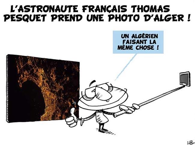 L'astronaute français Thomas Pesquet prend une photo d'Alger